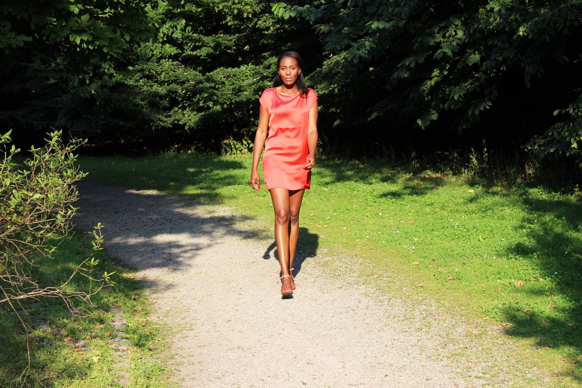nunaavane-new-orange-dress-satin-fashion-blogger-beauty-youtuber-choosetobebeautiful