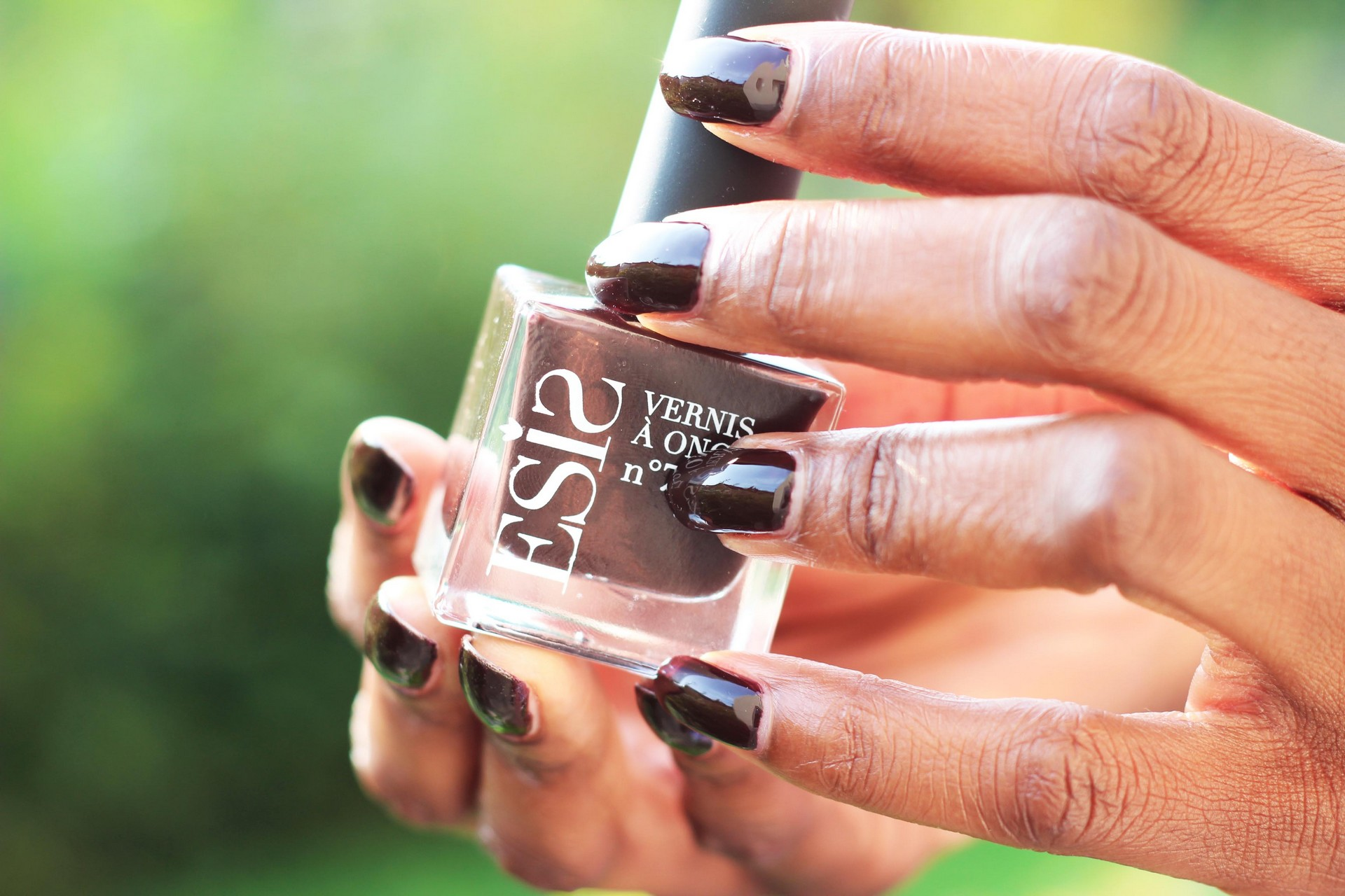 nunaavane-fall-nails-darkbrown-nailvarnish-autumn-inspired-ctbb3
