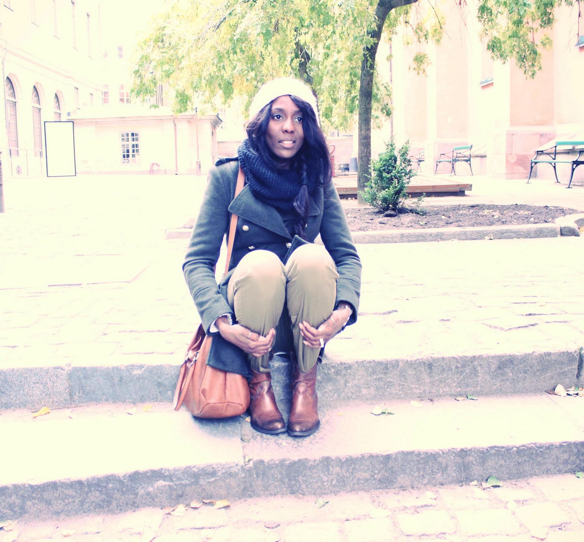 nunaavane-fashion-blogger-stockholm-europe-trip-outfit-casual-wear-ctbb6